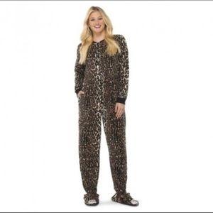 Nick & Nora leopard footie pajamas large
